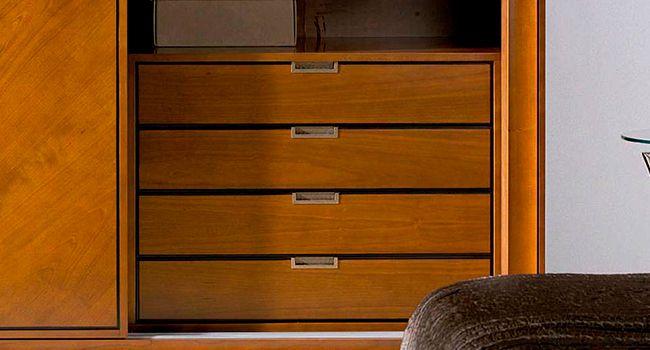 Carpinteros en sevilla cajoneras-a-medida-interiores-de-armarios-carpintero-2